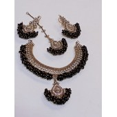 Choker Necklace Set With Bunch Pearl